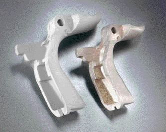 Sample MIM parts in the non-sintered state (left) and final state.