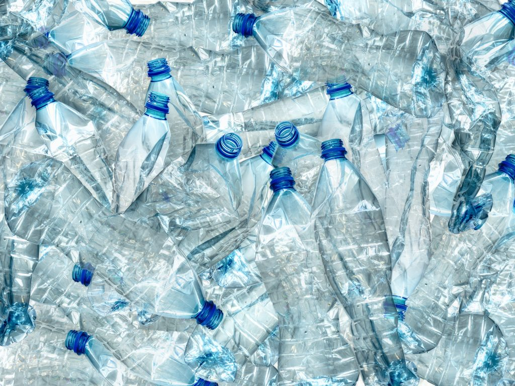 New process to recycle polyolefinic plastics at low temperature